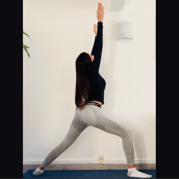 Le guerrier 1 ou Virabhadrāsana 1 - Yoga - Etape 3