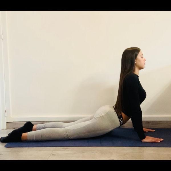 Miniature La posture du cobra ou  Bhujangāsana - Yoga
