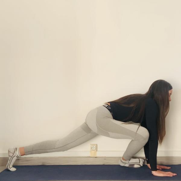 La posture du pigeon ou Kapotāsana - Yoga - Etape 2