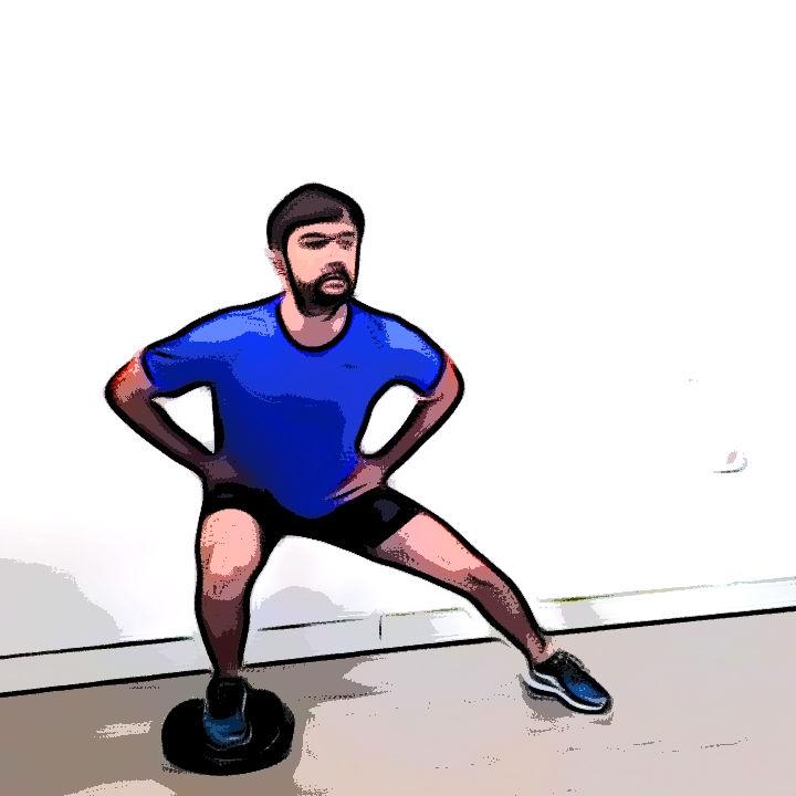Side squat avec un coussin d'équilibre - Etape 2