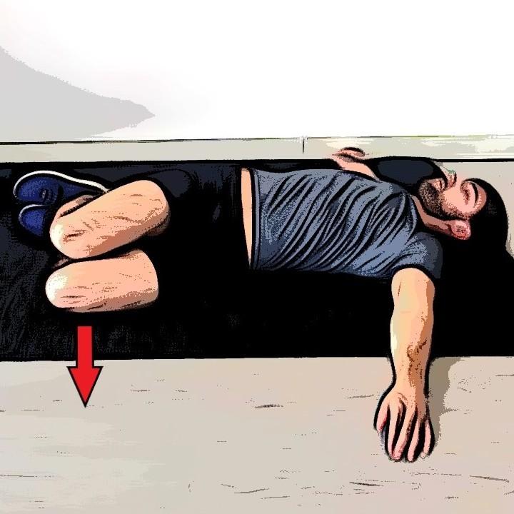 Étirement lombaires allongé avec rotation sur le côté - Etape 2