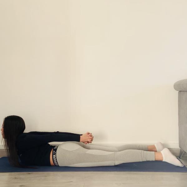 La posture du serpent ou Sarpānasa - Yoga - Etape 2