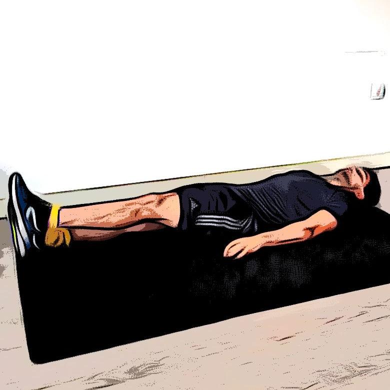 Levé de jambe avec élastique - Etape 1