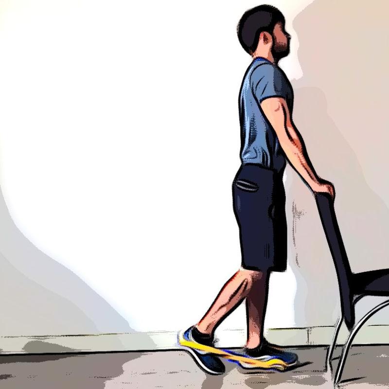 Leg curl debout avec élastique - Etape 1