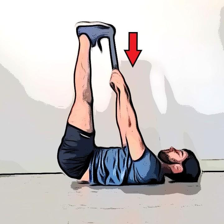 Étirement ischio-jambiers jambes en l'air avec traction - Etape 2