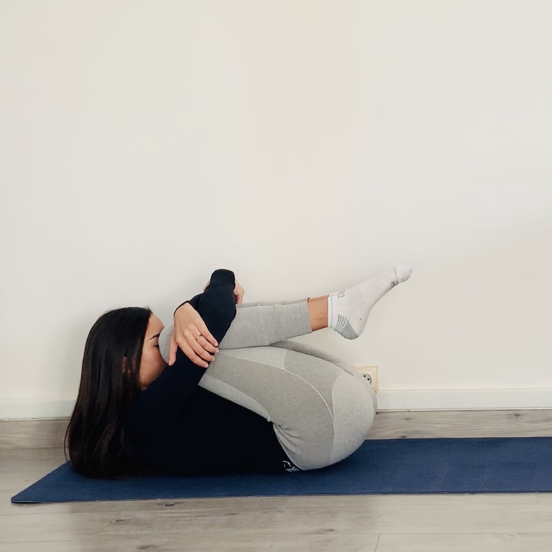 Le souffle du vent ou Apanāsana - Yoga - Etape 3
